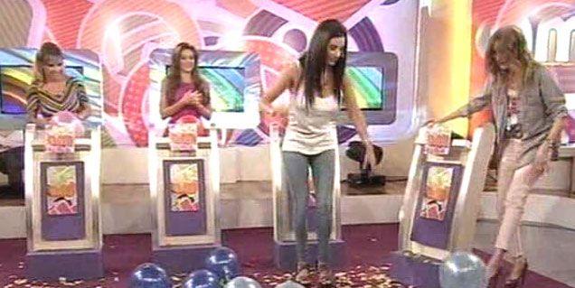 Soledad Cescato con un pecho movedizo al aire en televisión