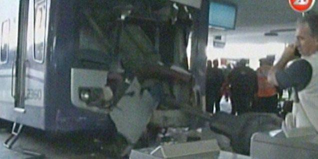 El cable cubre el accidente ferroviario en Once: 80 heridos