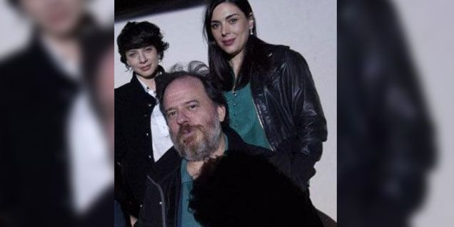 Tras el escándalo, el actor separado por Romina Gaetani dejó la obra con su ex