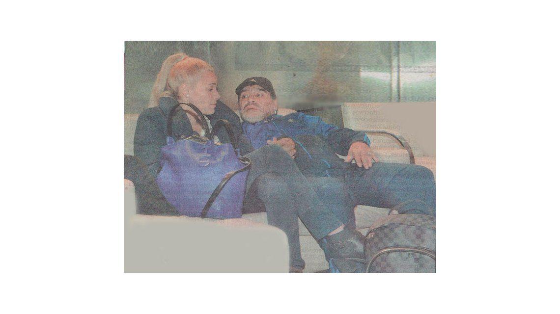 Maradona se fue a Dubai con Rocío, pero antes disfrutarán de una mini luna de miel