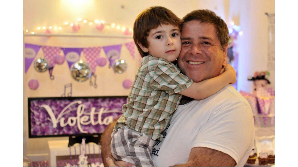 Diego Pérez festejó los diez años de su hija junto a Carna y su familia