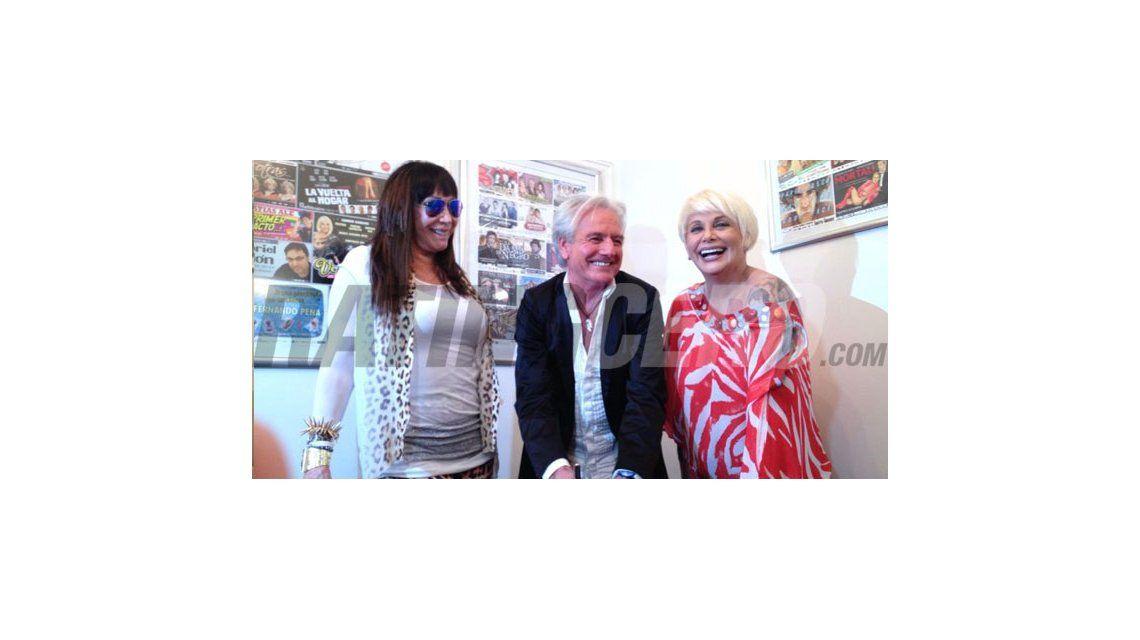 Sergio Denis firmó su contrato con Carmen y Moria para Mar del Plata 2014