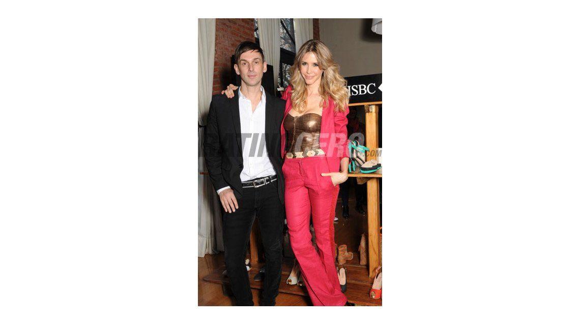 Valdes y Tinelli juntos en la presentación de la marca de zapatos de ella