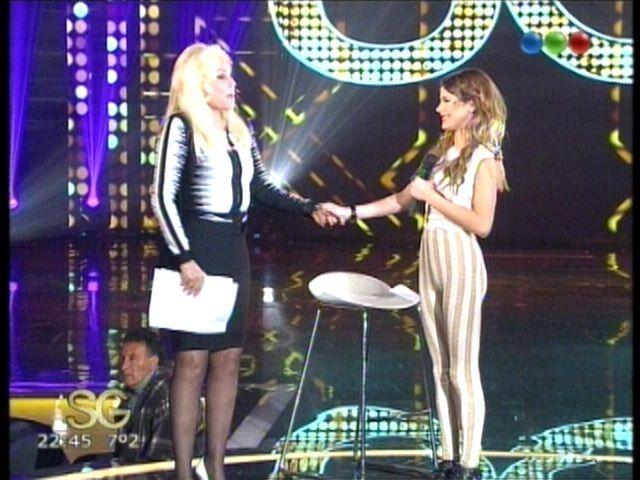 Susana recibió a Violetta y confesó: Me acabo de caer por la escalera