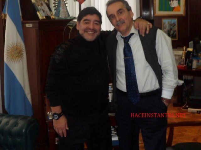 Lo que le faltaba a Maradona: visitó a Guillermo Moreno y desató la polémica