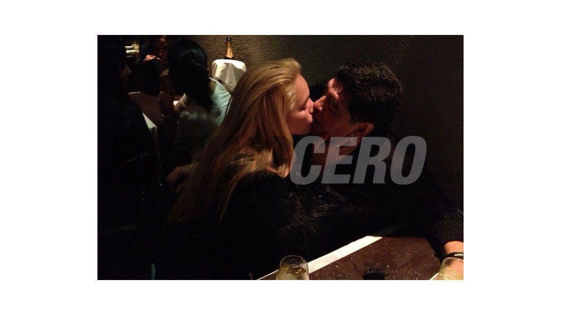 Maradona y Rocío: fueron a ver a Darín y se mataron a besos en la madrugada