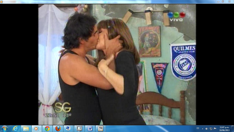 Susana Giménez y Sebastian Estevanez se besaron apasionadamente