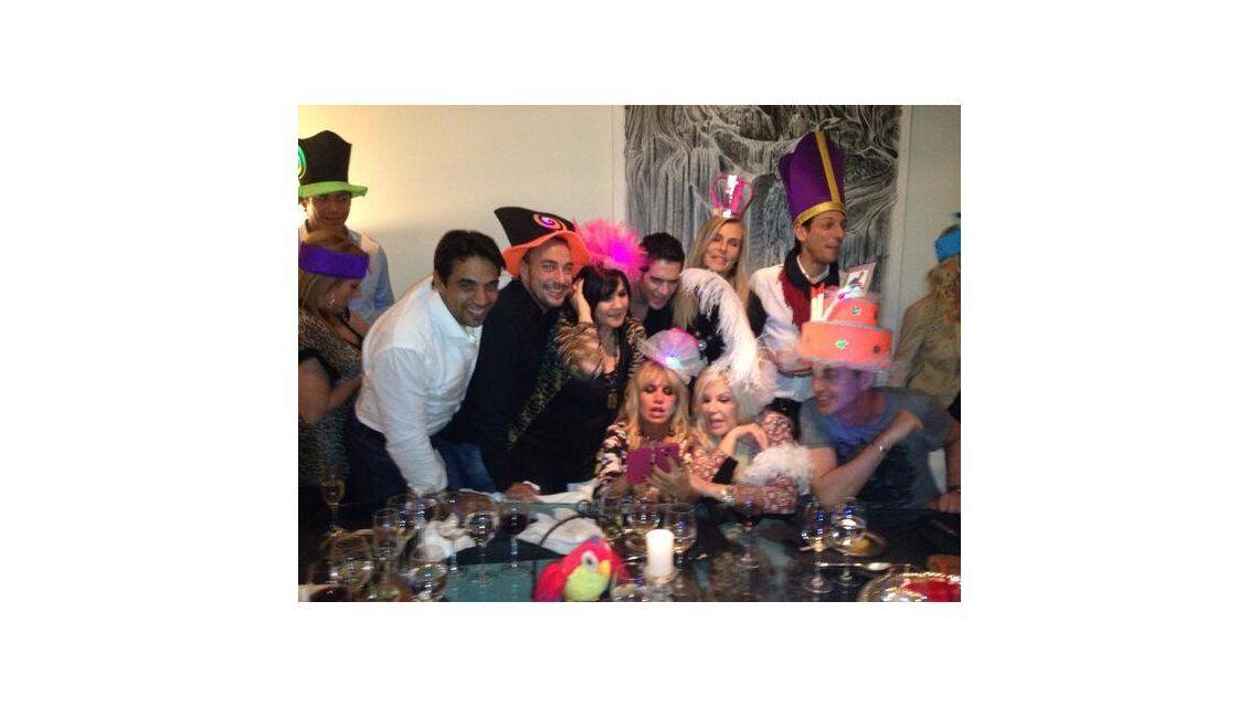 Susana, Flor Peña, Tortonese y Vernaci en el divertido cumpleaños de Marley
