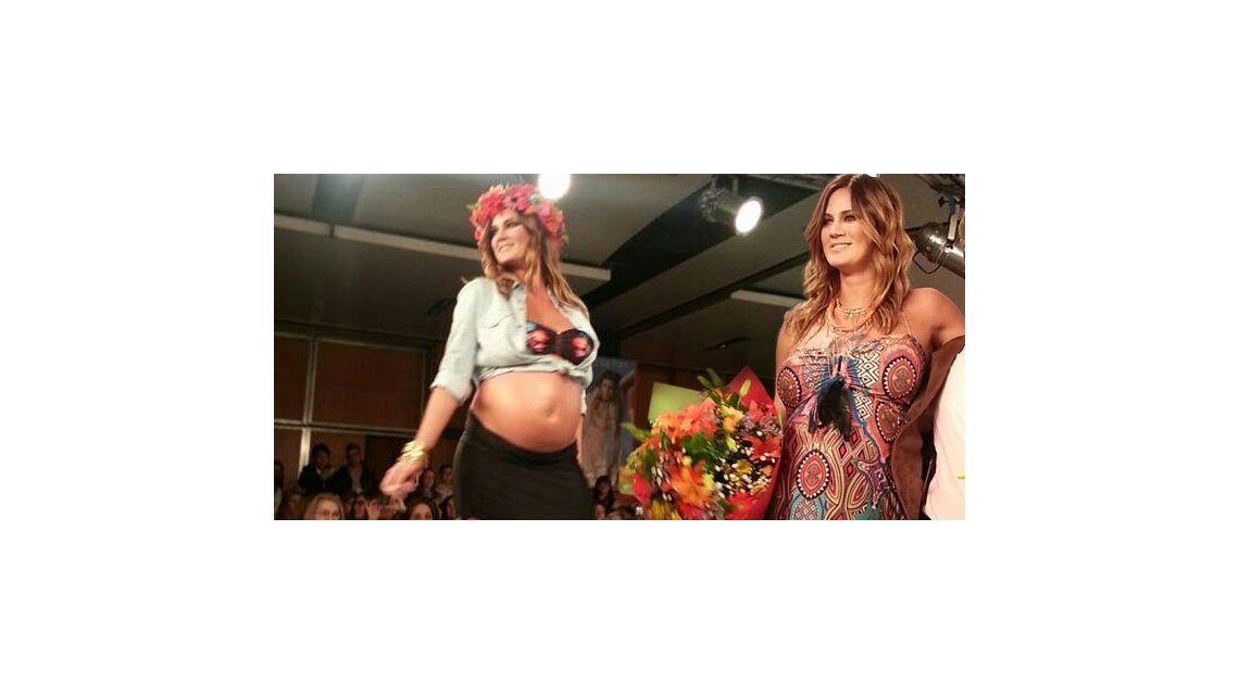 Paula Chaves desfiló por última vez antes de dar a luz a Olivia