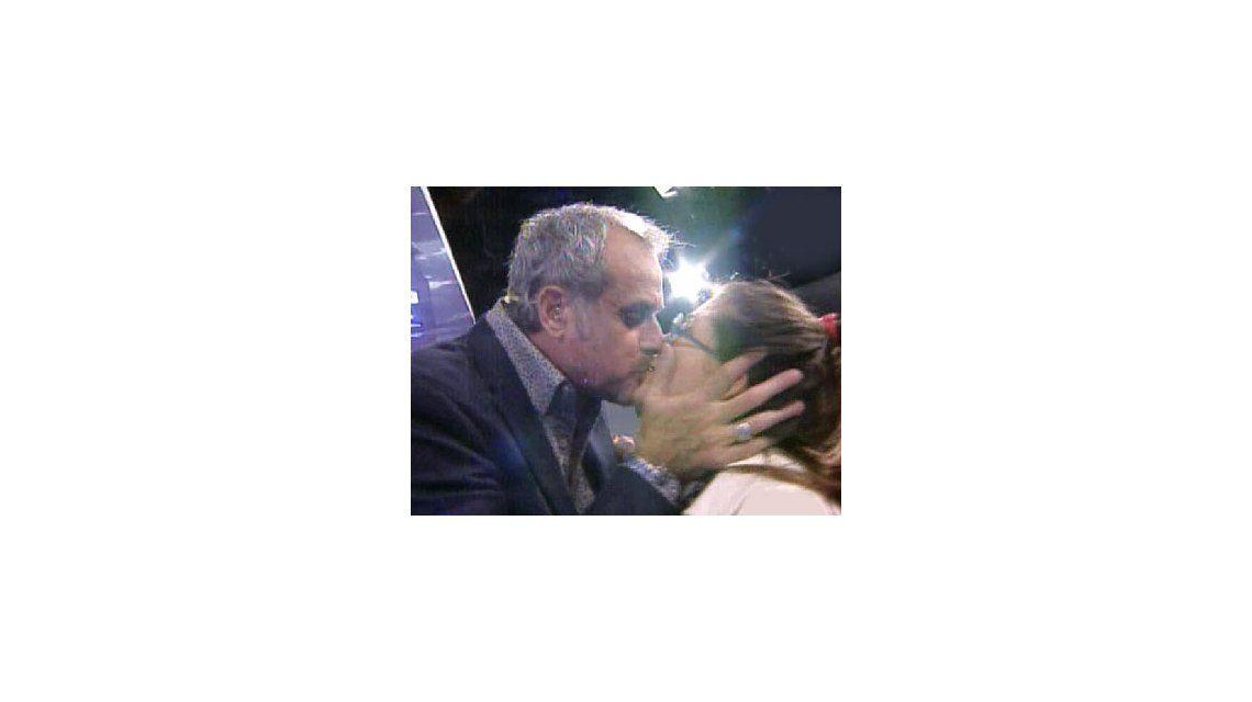 Mariana Antoniale y Jorge Rial: sorpresa y beso eufórico en vivo en Intrusos
