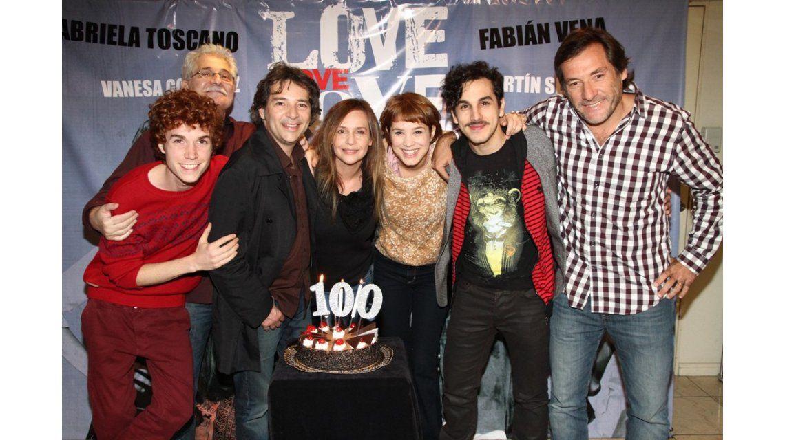 Love, love, love celebró las primeras cien funciones