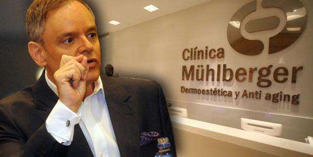 El Dr. Mühlberger reunió a todo su personal y comunicó una drástica decisión