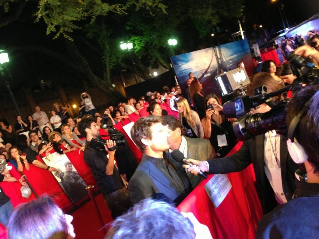 Furor por Tom Cruise: las fanáticas están como locas con la visita del galán