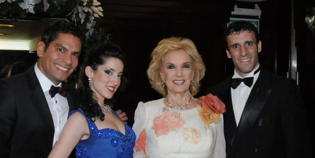 Mirtha Legrand con Ismael Cala en la noche porteña