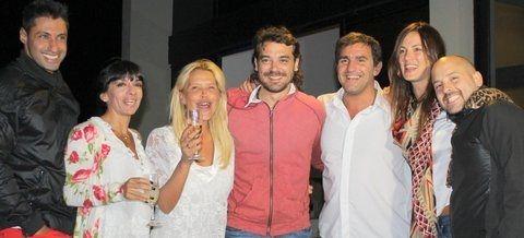 Los Grimaldi y el elenco de Viaje de locura recibieron juntos el año nuevo