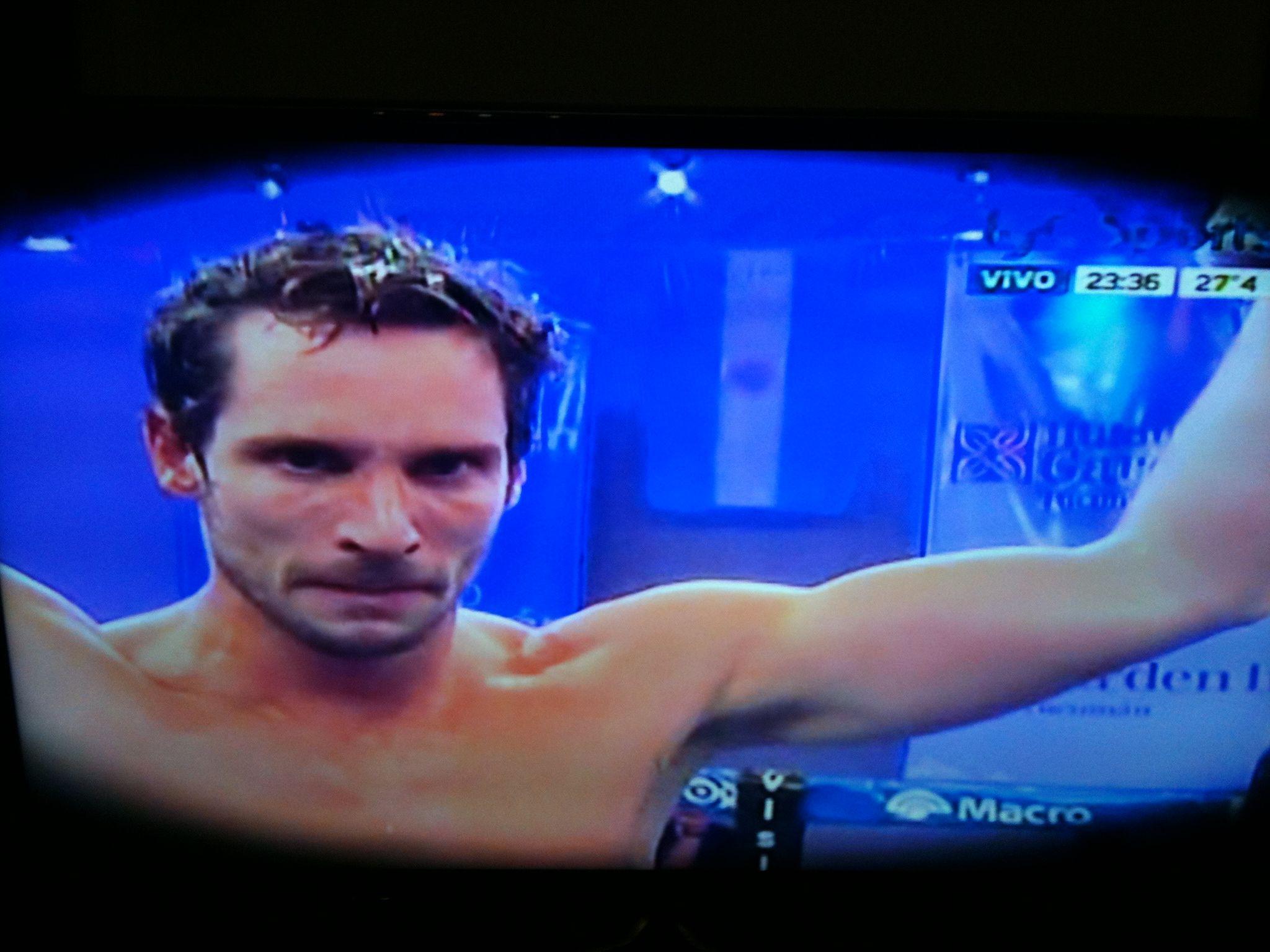 Gonzalo Valenzuela se dio el gusto, y boxeó durante tres round en Tucumán