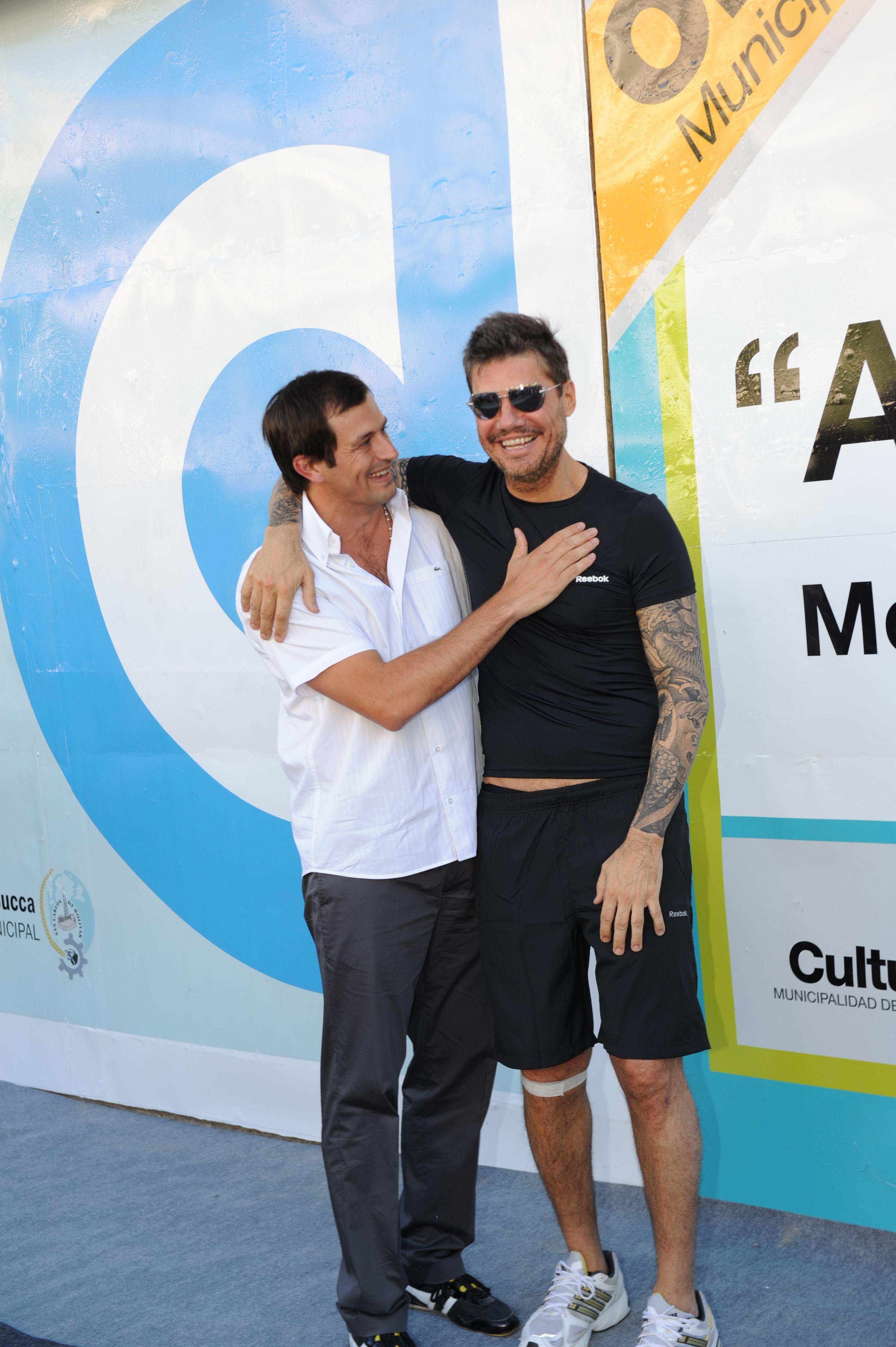 Tinelli en Bolivar: corrió una maratón e inauguró las obras de un cine