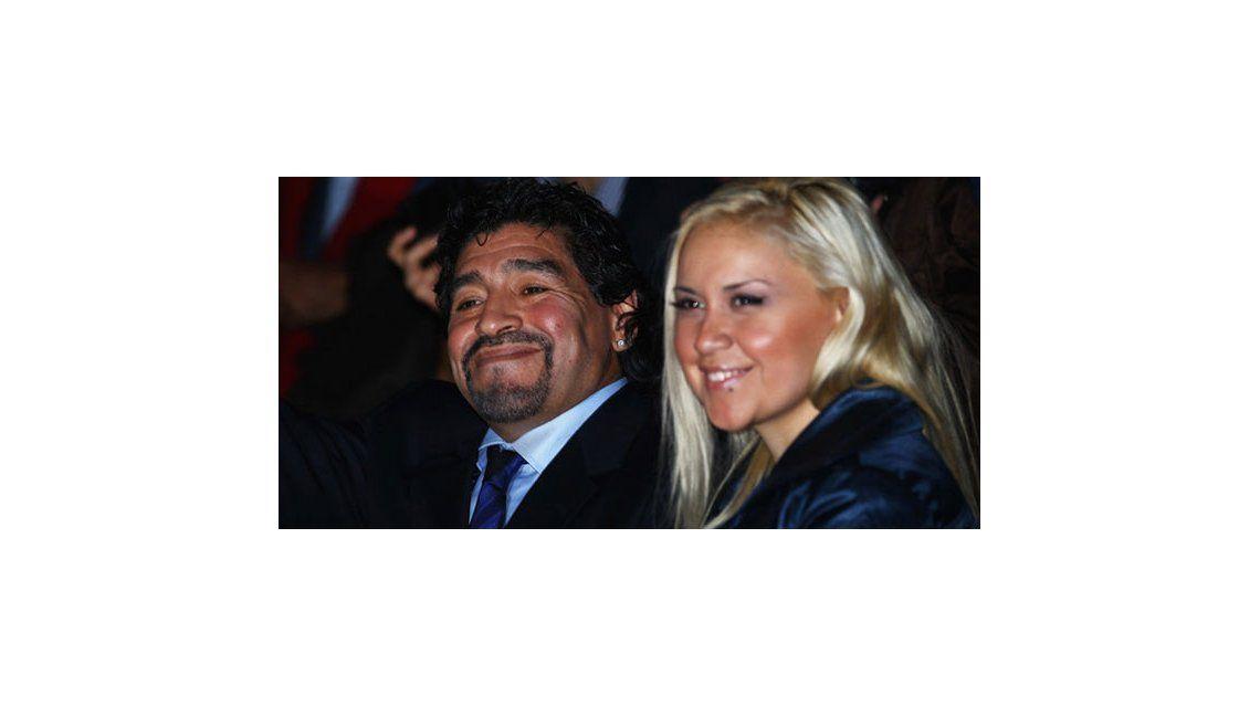 Diego Maradona reconoció esta mañana en Dubai a su hijo con Verónica Ojeda