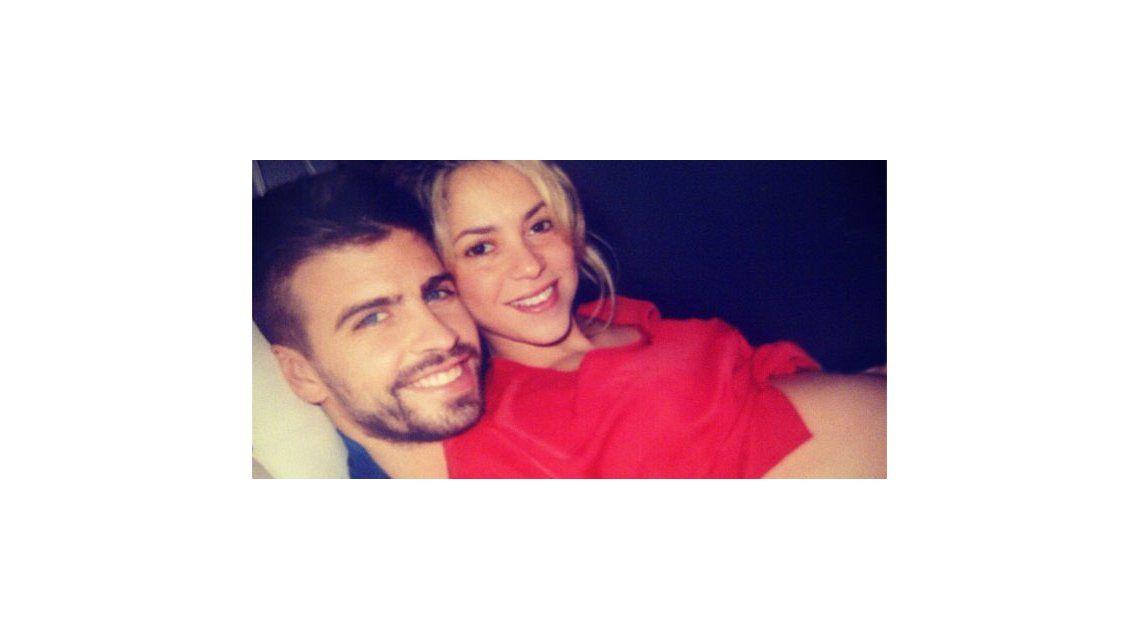 Shakira y Piqué, felices, comparten su embarazo de siete meses en Twitter