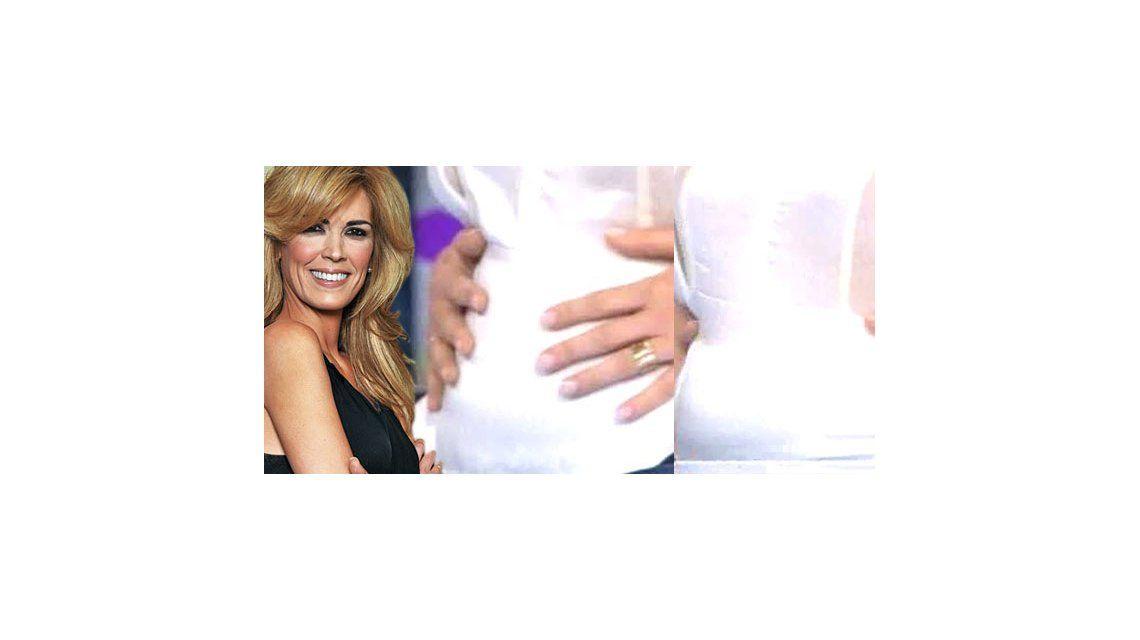 Viviana Canosa compartió su embarazo mostrando la panza en televisión