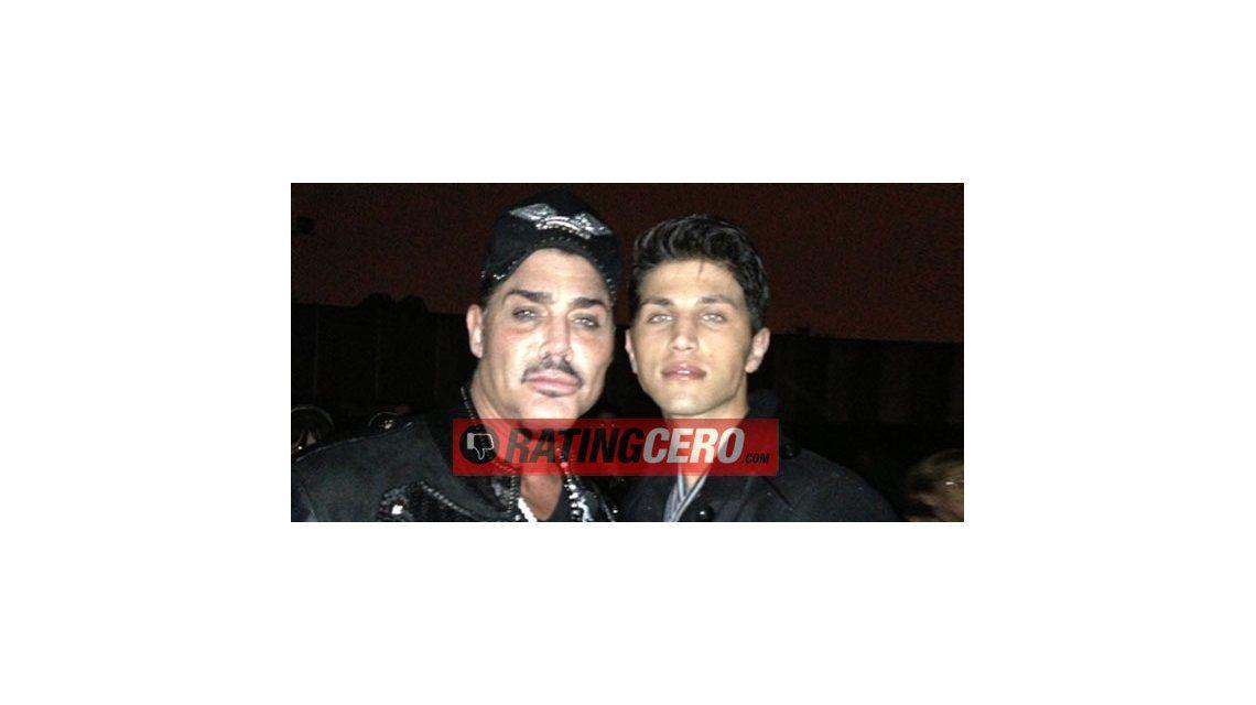 Ricardo Fort y su novio Rodrigo, ayer en el recital de Luis Miguel