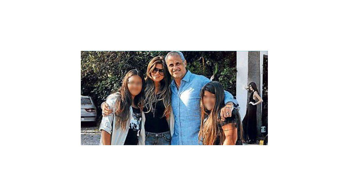 Rial logró que sus hijas vivan con él: llegó a un acuerdo con su ex