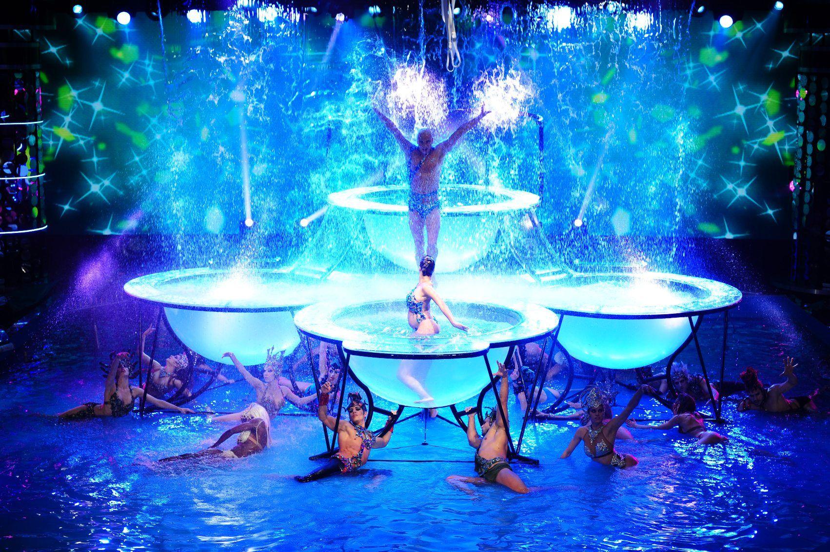 Arrancó el Aquadance con una apertura deslumbrante y el baile de Flor Peña