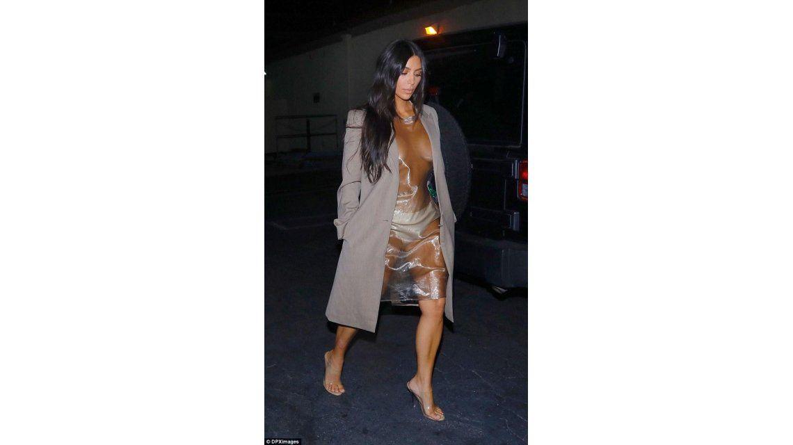 Kim Kardashian uso una bolsa de plástico como vestido