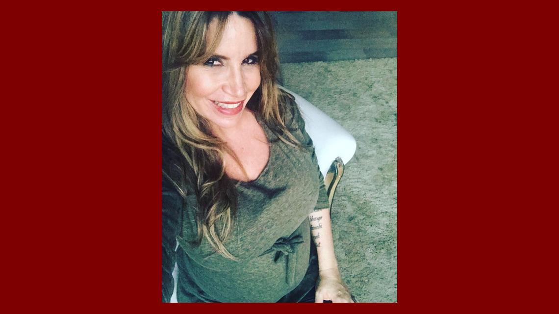Flor Peña mostró su embarazo de seis meses en ropa interior