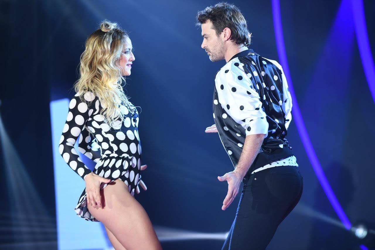 Pedro Alfonso y Flro Vigna bailando cumbia pop