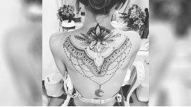 ¿La nueva Cande Tinelli? El impresionante tatuaje de una famosa actriz en su espalda
