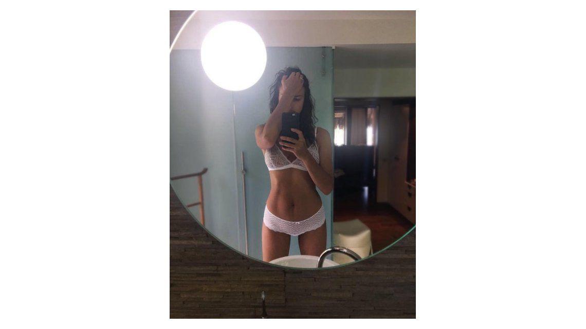 Irina Shayk posa muy sensual tras dar a luz