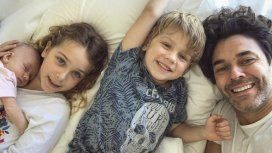Tierna foto de Mariano Martínez con sus hijos y Alma: ¡Feliz mes de vida!