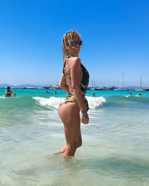 Rocío Guirao Díaz posa en el mar de Formentera