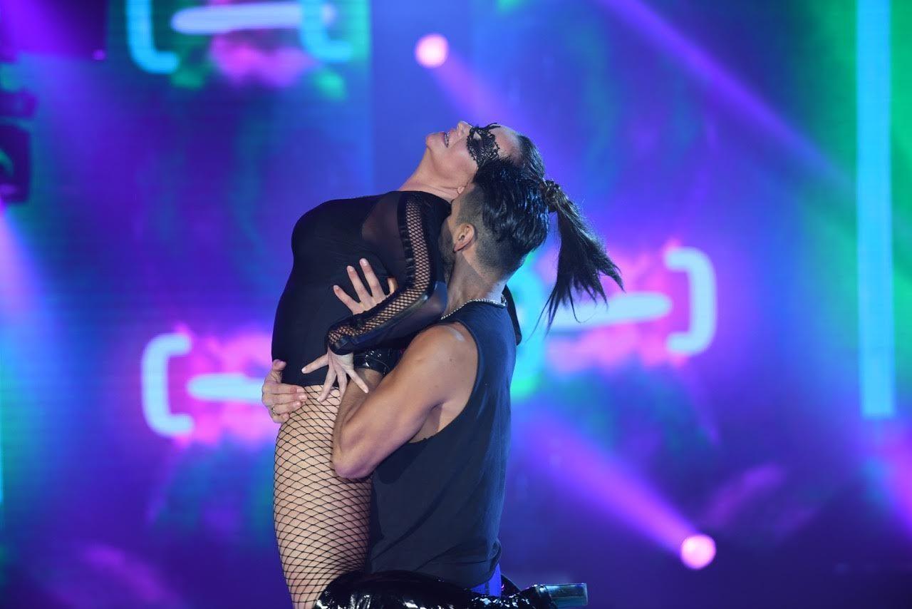 Nancy Pazos y su reggaetón porno acrobático que no le gustó al jurado