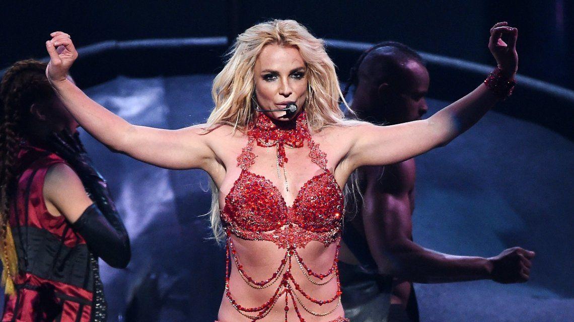 Un hombre quiso abordar a Britney Spears en un show