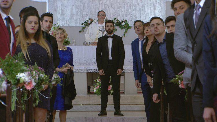 Dany espera en el altar a Florencia
