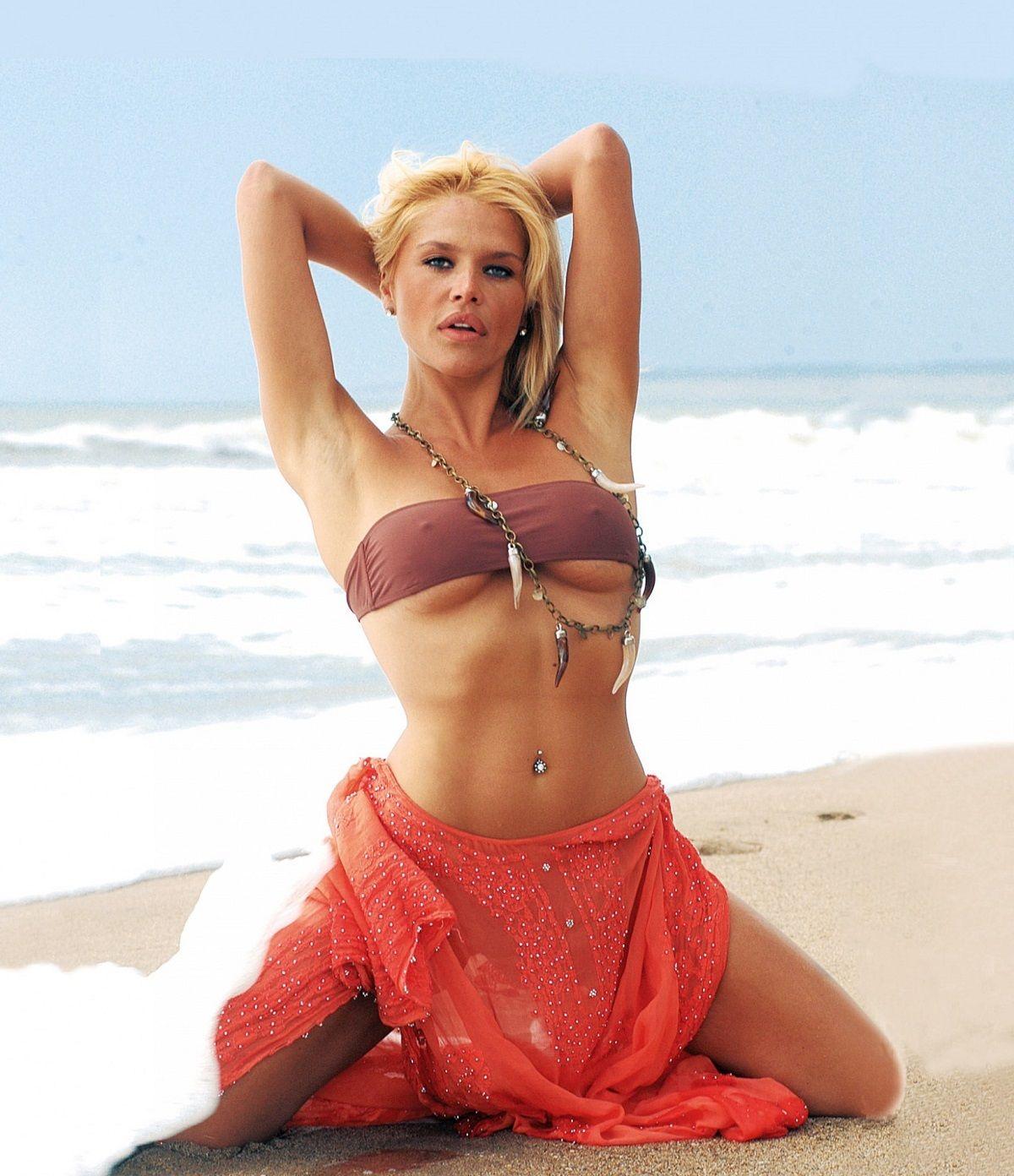 El topless de Nazarena Vélez