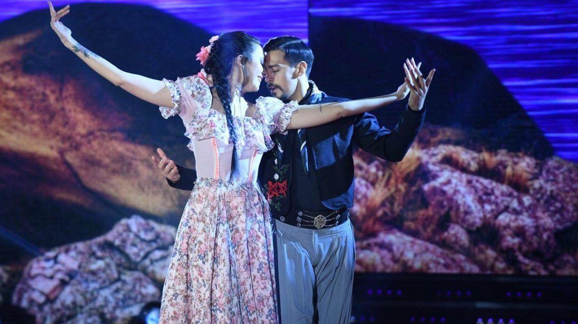 Nai Awada en el Bailando