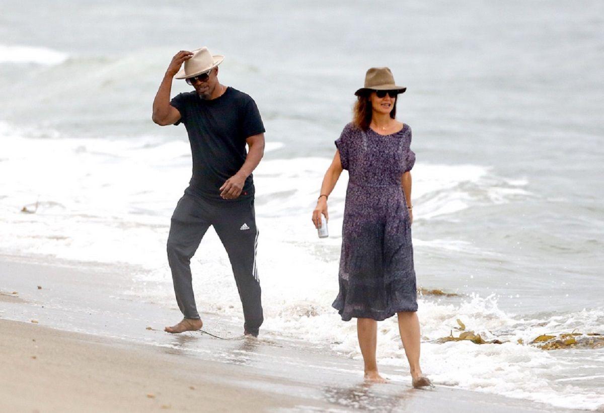 Katie Holmes y Jamie Foxx se muestran como pareja