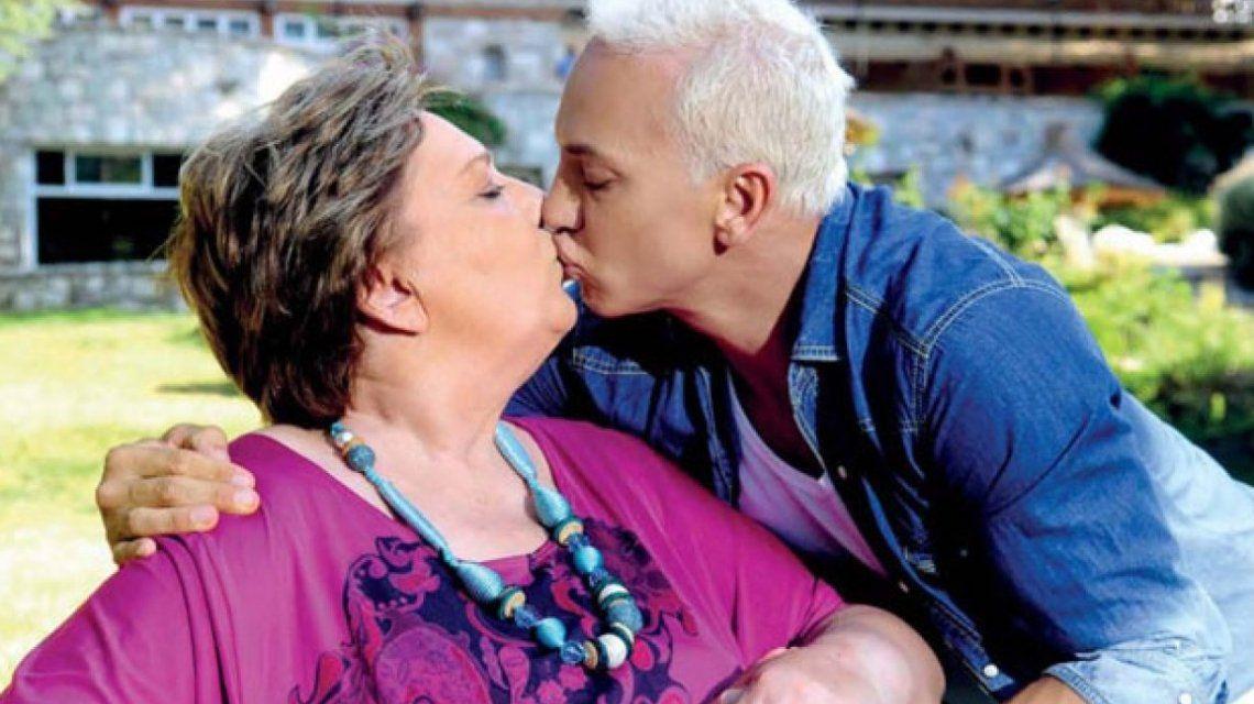 Flavio y su mamá para revista Gente