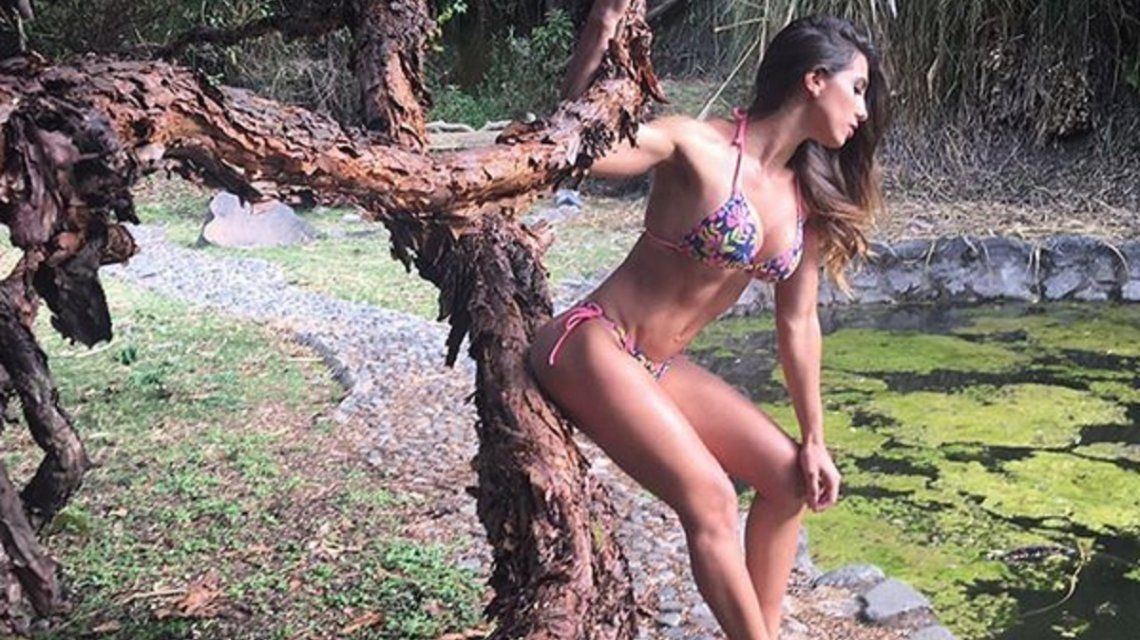 Cinthia Fernández y una producción sexy