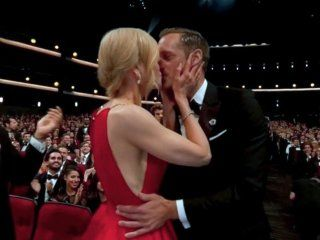 El beso de Nicole Kidman yAlexander Skarsgård