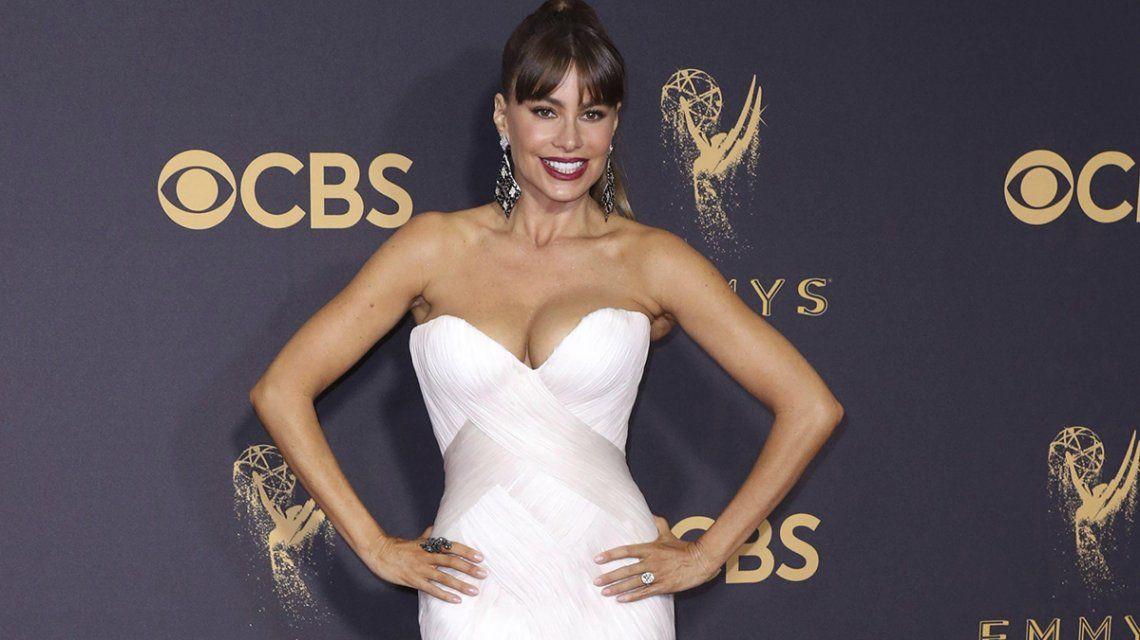 Emmy 2017: El lomazo de Sofía Vergara ¡con tremendo escote!