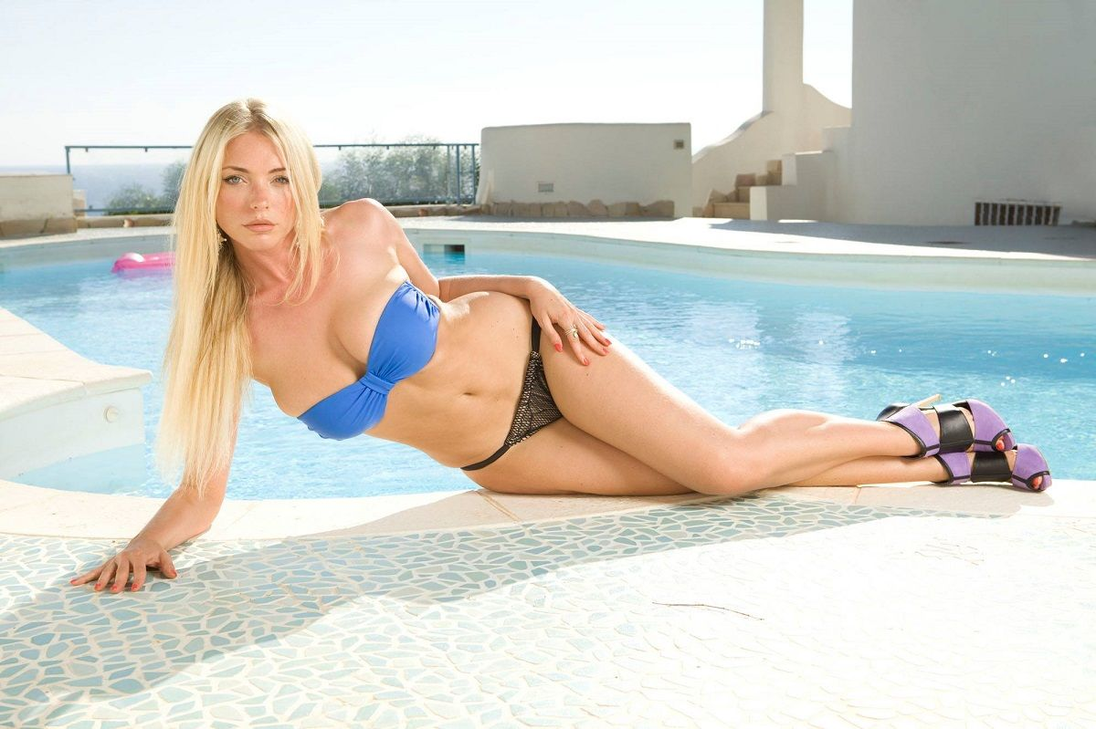 las fotos hot de april summers, la chica playboy fanática de mauro