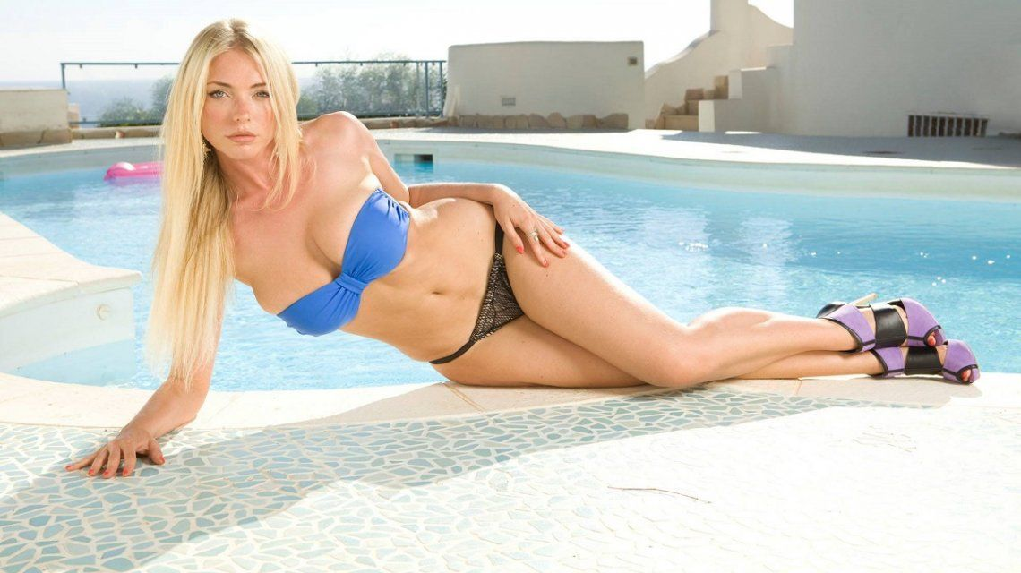 Las Fotos Hot De April Summers La Chica Playboy Fanática De Mauro