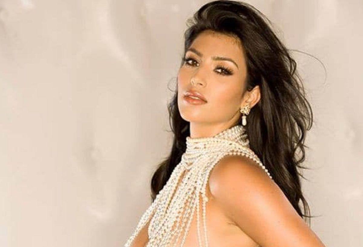 Kim Kardashian homenajeó a Hugh Hefner con sus fotos para Playboy