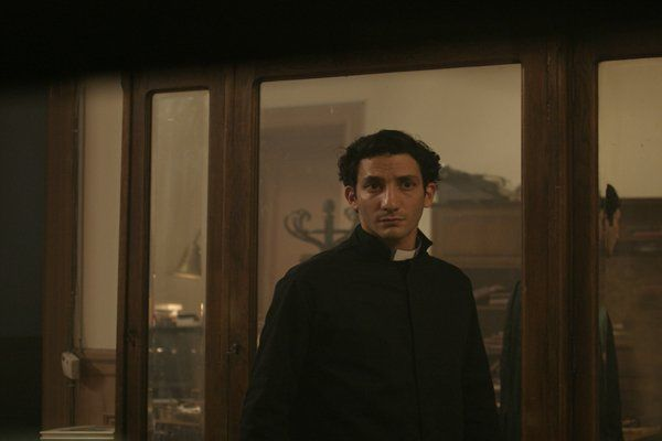 Juan Minujín, como Papa Francisco