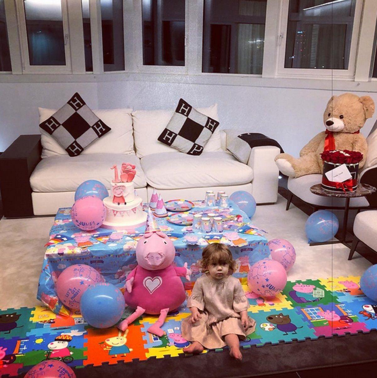 El primer cumpleaños de Isabella