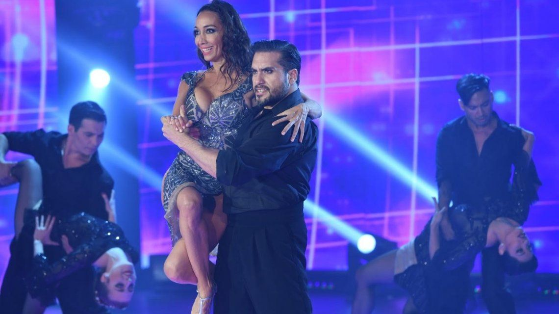 Mora Godoy abrió el ritmo de tango con un espectacular show